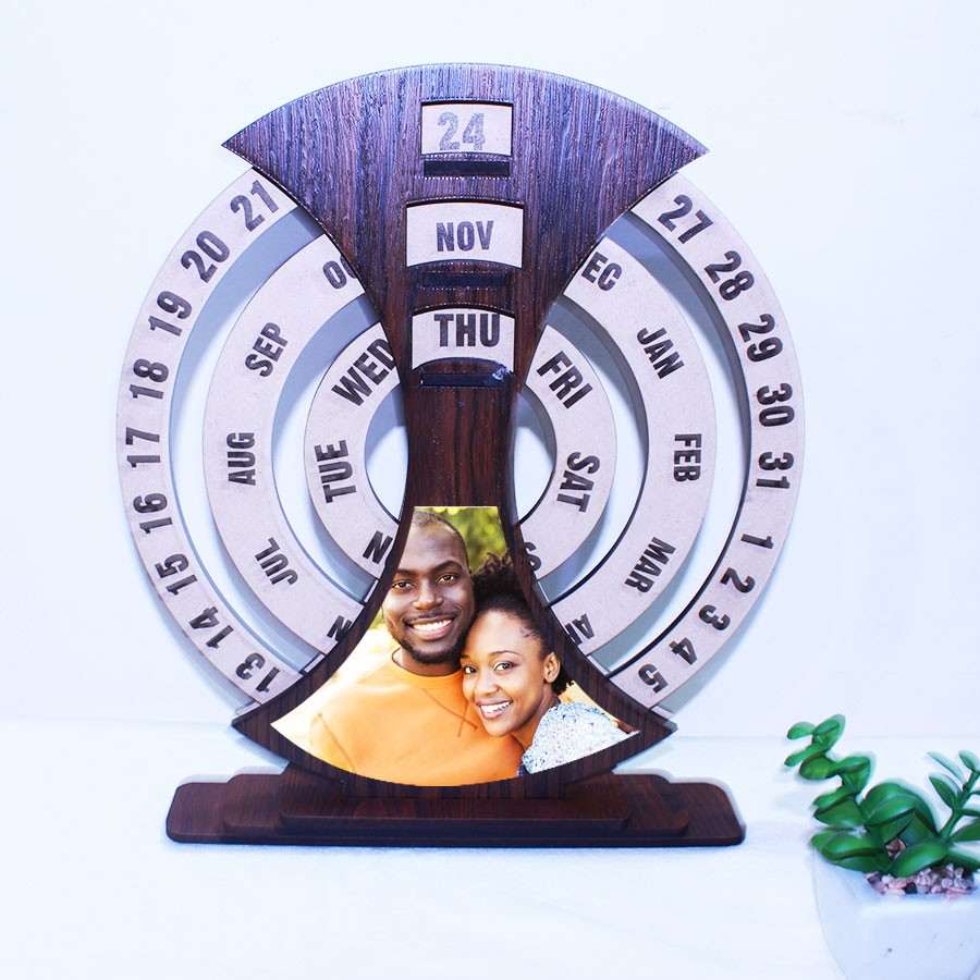 Personalized Universal Wooden Calendar