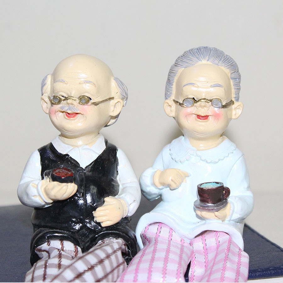 Showpiece of Old Couple