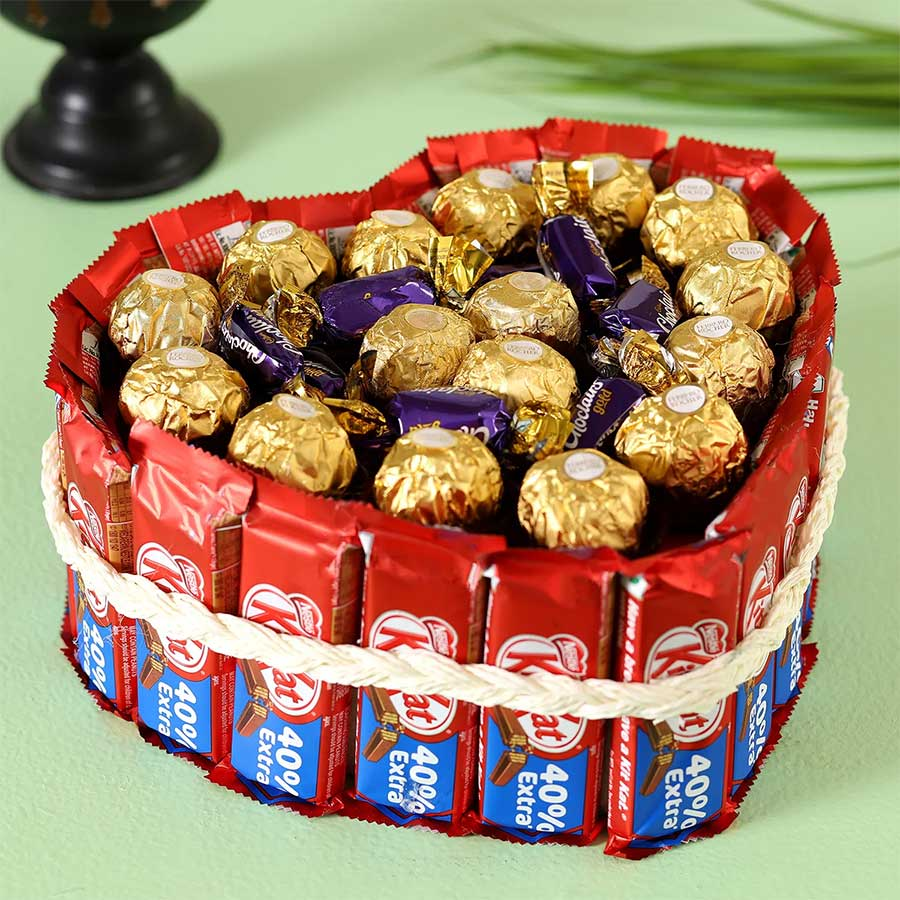 Ferrero Rocher Kitkat Heart Pie